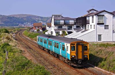 150264 passes Daganwy on the Llandudno Branch in North Wales with 2D18 16:20 Llandudno - Blaenau Ffestiniog, 22/05/10.