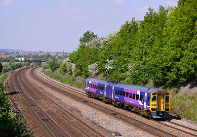 158843 passes Hasland with a Leeds - Nottingham train on 24/05/10.