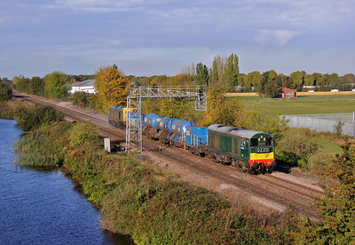 20189 leads past Crowle with 3S13 08:50 Wrenthorpe - Wrawby Junction RHTT on 19/10/11.  The train is booked to go to Grimsby Town but terminated just short of Barnetby at Wrawby Junction because of a broken rail at Brocklesby