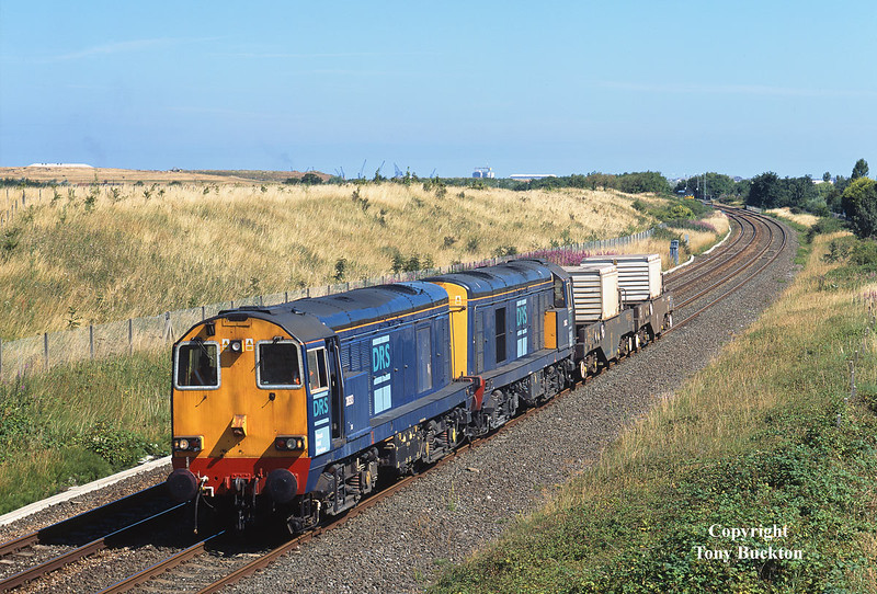 20313 and 20312 approach Seaton Snook Junction at 10:56 on Monday 24th July 2006 with the 6E44 Carlisle - Seaton-on-Tees nuclear flasks.