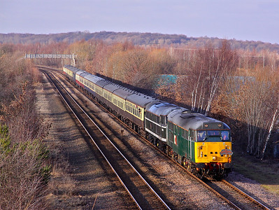 31601 and 31190 pass Orgreave with Pathfinder tours - 1Z27 06:17 Bristol TM - Deepcar. 29/01/11.
