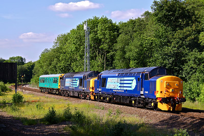 37409 and 37423 propel inspection saloon Caroline towards Sheffield as they pass Dore & Totley Station working 2Z01 09:20 Southampton - Leeds, 16/06/10.