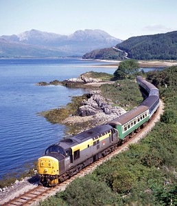 37232 skirts Loch Carron with 2H83 10:40 Inverness - Kyle of Lochalsh on 10/08/94.