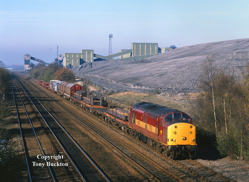 37703  brings the 6D51 08:42 Doncaster - Hull Enterprise past Hatfield colliery (Stainforth), at 09:07 on the morning of Friday April 7th 2000.