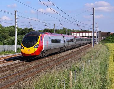 390115 WINWICK 1S78 15.30 Euston-Glasgow Central