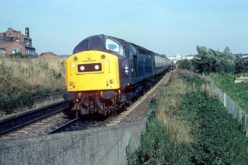40188 arrives Retford Low Level on 1319 Skegness-Manchester 5th Sep 1981
