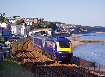 43020 & 43069 pass Dawlish with 1C86 15:06 Paddington - Penzance, 24/07/12.