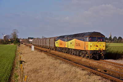 47727 'Rebecca' and 47739 'Robin of Templecombe' heads away from Heckington on the approach to Great Hale Drove No1 Crossing with 6E56 06:02 Washwood Heath - Boston steel empties. 07/12/11.