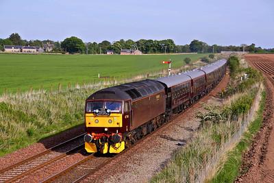 47760 races North with 1H79 13:40 Edinburgh - Keith leg of 'The Royal Scotsman' tour passing Craigo, North of Montrose.