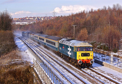 47580 hurries towards Beighton Junction with 5Z34 12:44 Doncaster Belmont - Barrow Hill ECS move. 28/11/10.