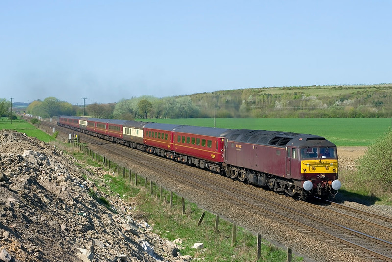 47864 leads the 5Z75 08:25 Carnforth - Norwitch ecs on the approach to Hambleton Jnc at 11:12 on Friday 8th April 2011. 47786 brings up the rear.