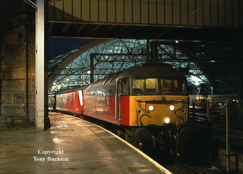 47727 awaits departure from Liverpool Lime Street with the 1A72 17:10 to Euston on Sunday 29th December 2001.