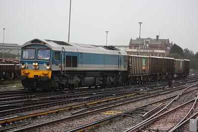 59004 arrives at Eastleigh with 1247 Fareham - Westbury 29/10/14