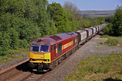 60010 passes Disley working 6F05 15:25 Tunstead - Oakleigh limestone. 27/04/11.