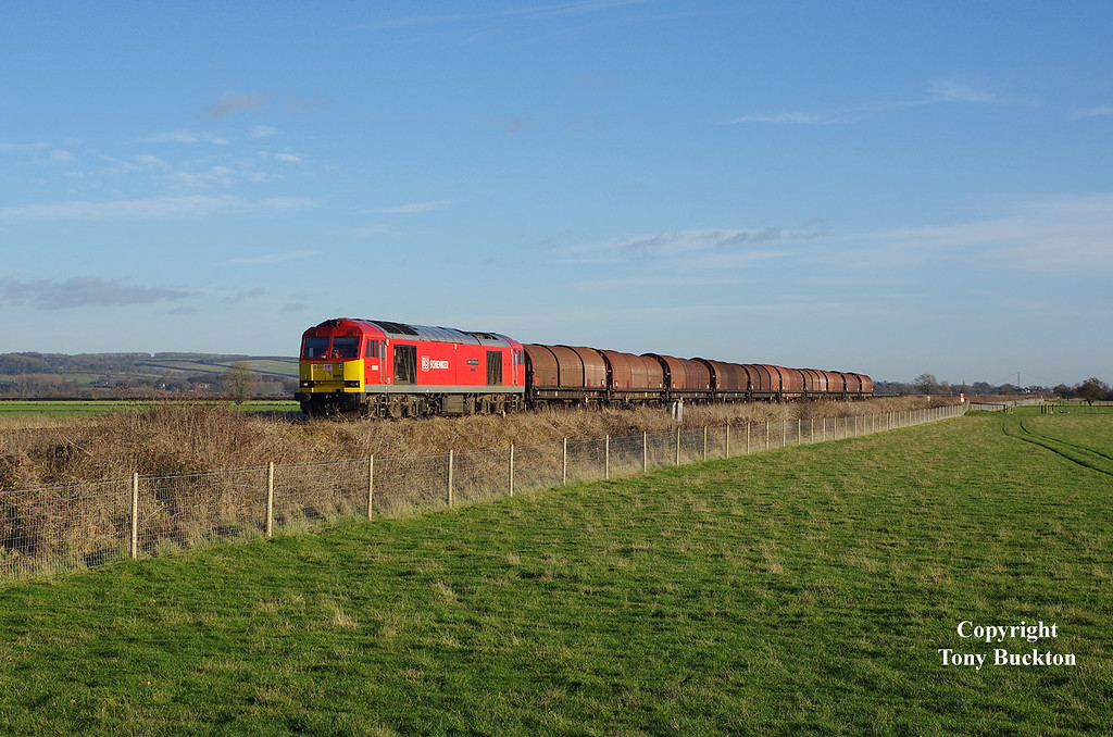 60091 approaches Crabley Creek on the afternoon of Thursday 22th December 2016 forming the 6J94 12:25 Hedon Road Sidings - Rotherham Masborough steel hoods.<br /> Thanks again to Eddie Parker for the Gen.