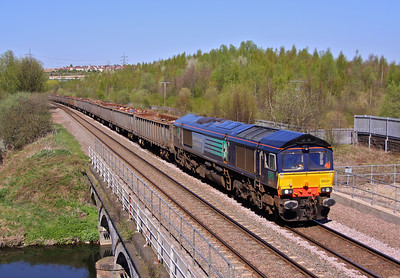 66431 approaches Beighton Junction with the Fridays only 6Z50 Stockton - Cardiff Tidal loaded scrap. 08/04/11.