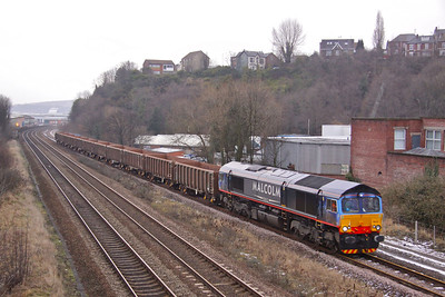 66412 makes a very rare appearance in Sheffield while working 6Z56 10:34 Welwyn - Peak Forest empty JNA's as it polishes the rusty rails in Heeley Loop on 24/02/10.