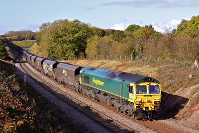 66509 hauls 6B52 10:37 Woodhouse East - West Burton loaded coal at Clarborough Junction, 17/10/09.