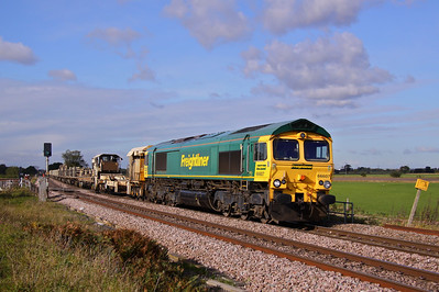 66607 stands in for DBS, working 6D74 Doncaster Up Decoy - Scunthorpe, here passing Mauds Bridge. 19/10/11.