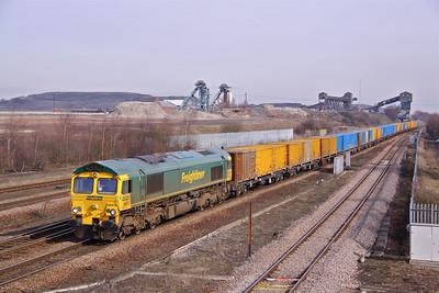 66613 passes Hatfield & Stainforth on 6M05 09:30 Roxby - Northenden empty 'Binliner'. 05/03/10.