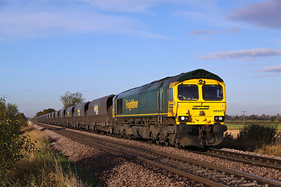 66957 passes Mauds Bridge with 4R12 07:35 Sudforth Lane - Immingham empty coal, 05/11/12.