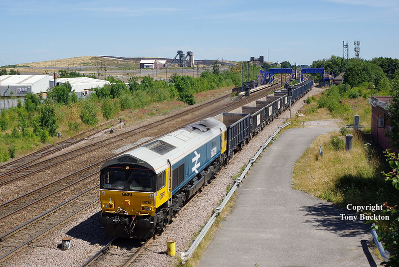 The nicest looking shed in existence - 66789 in retro Large Logo BR Blue livery draws through Hatfield and Stainforth with the 6D61 11:01 Roxby Gullet - Doncaster Down Decoy at 12:18 on Monday 2nd July 2018.