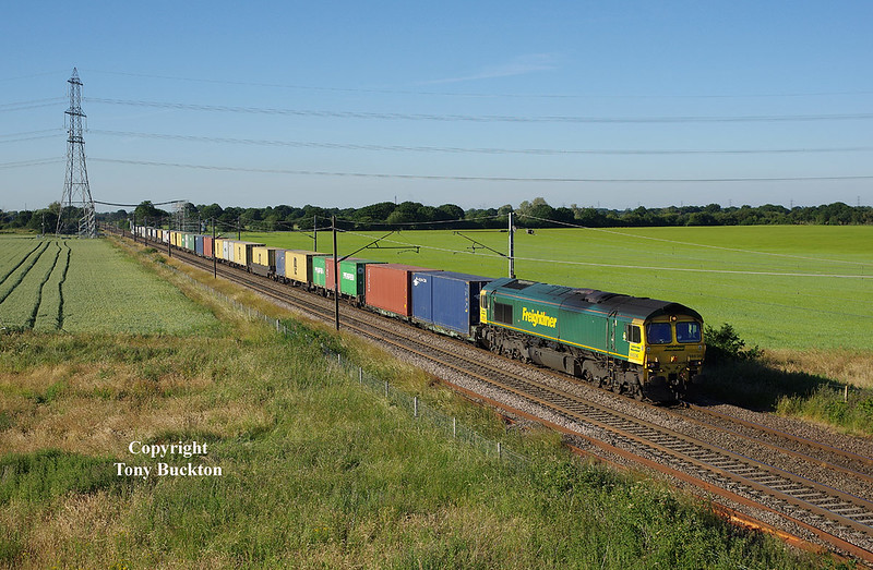 66536 approaches Joan Croft Junction at 18:41 on the evening of June 27th 2018 with the 16:12 Tees Dock - Felixstowe South Freightliner.