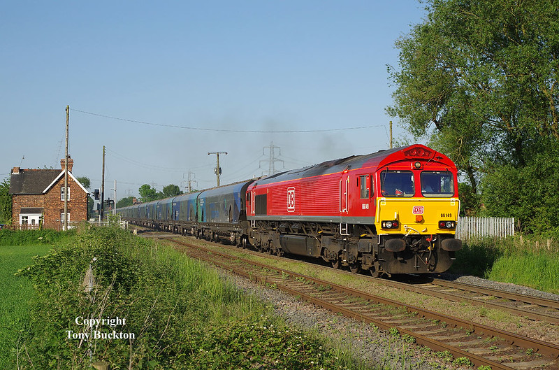 Having been scuppered by a tiny cloud on my chosen subject (Colas Tug on the empty tanks to Immingham), 66149 makes for a reasonable consolation shot as it passes Carlton shortly after departing Drax Power Station with the 18:31 empty Biomass to Immingham on the evening of Friday 26th May 2017.
