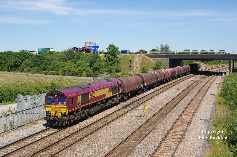 66105 comes off the Goole line at Thorne Junction with the 6J94 12:25 Hedon Road Sidings (Hull KG Dock) - Masborough F.D. Steel Hoods, at 13:35 on Monday 2nd June 2018.