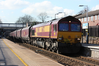 Shedded! 66172 appears at Rainhill with 6F74 1211 Liverpool Bulk Terminal - Fiddlers Ferry due to 60066 being broken! 3/3/14