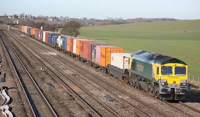 66504 approaches Cholsey working a Leeds - Southampton freightliner 14/1/14