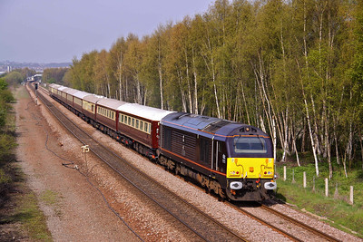 67005 'Queen's Messenger' takes passengers on the Northern Belle past Old Denaby, Mexborough. 1Z79  07:01 Birmingham International - Harrogate.  24/04/10.
