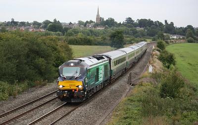 68009 'Titan' passes Kings Sutton with 1U61 1750 London Marylebone - Banbury with the 'blue set' 18/8/15
