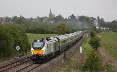68011 passes Kings Sutton with 1U61 1750 London Marylebone - Banbury 8/5/15