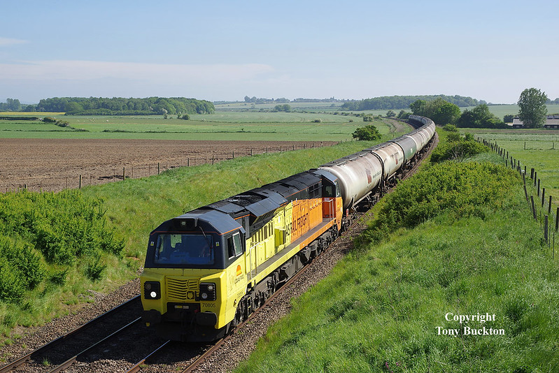 70805 passes Kettleby at 15:47 on Thursday 24th May 2018 with the 12:16 Rectory Junction - Lindsey Oil Refinery.