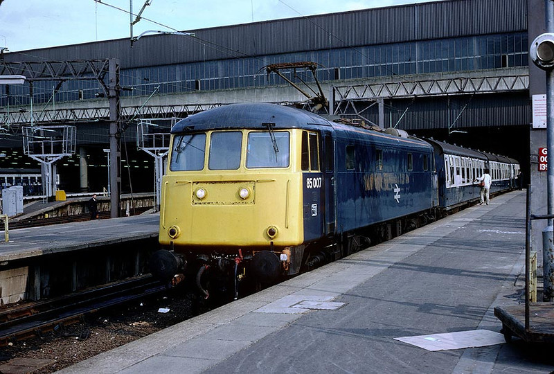 85007 Euston on 1716 to Northampton 27th Aug 1982