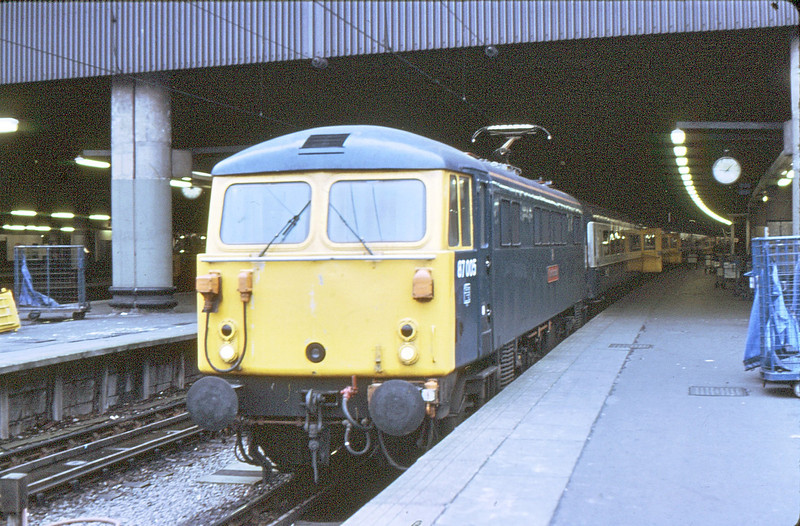 87005 Euston  17 Oct 81