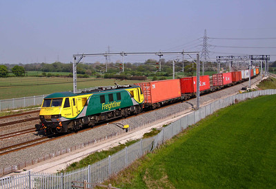90049 now in the new Powerhaul livery passes Lichfield working 4M87 11:14 Felixstowe - Trafford Park. 20/04/11.