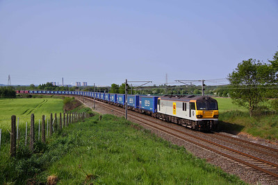 92019 'Wagner' heads North past Red Bank with 4S43 07:27 Rugby - Mossend Tesco train. 22/05/10.