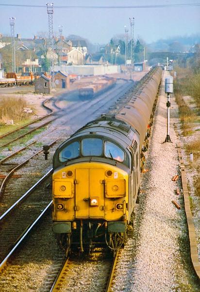 37072 6B23 Langley to Waterston at Pontyclun 6/3/1993.