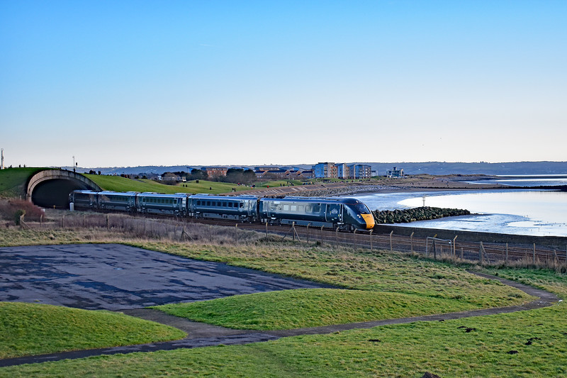 800001 1B28 1143 Paddington to Carmarthen at Cefn Padrig 19/1/20.