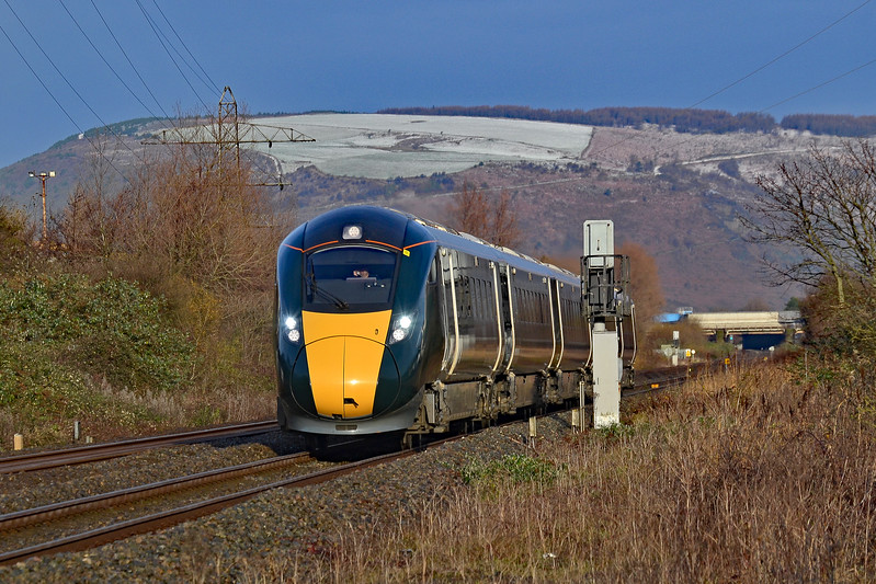 800005 1L48 09:29 Swansea to London Paddington at Margam 9/12/17.