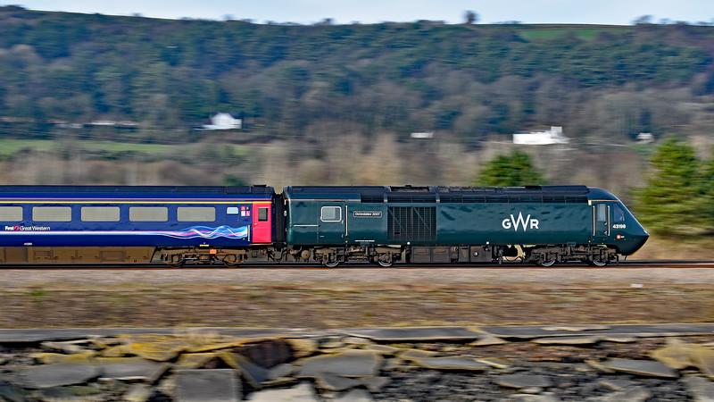43198 & 43088 1B28 1133 Paddington to Carmarthen at Pwll 24/2/19.