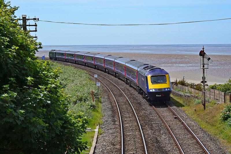 43186 & 43042 1B15 0812 Paddington to Pembroke Dock at Ferryside 23/6/18.