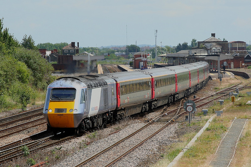 43299 & 43301 1V48 06:40 Newcastle to Penzance at Taunton 20/06/2009.
