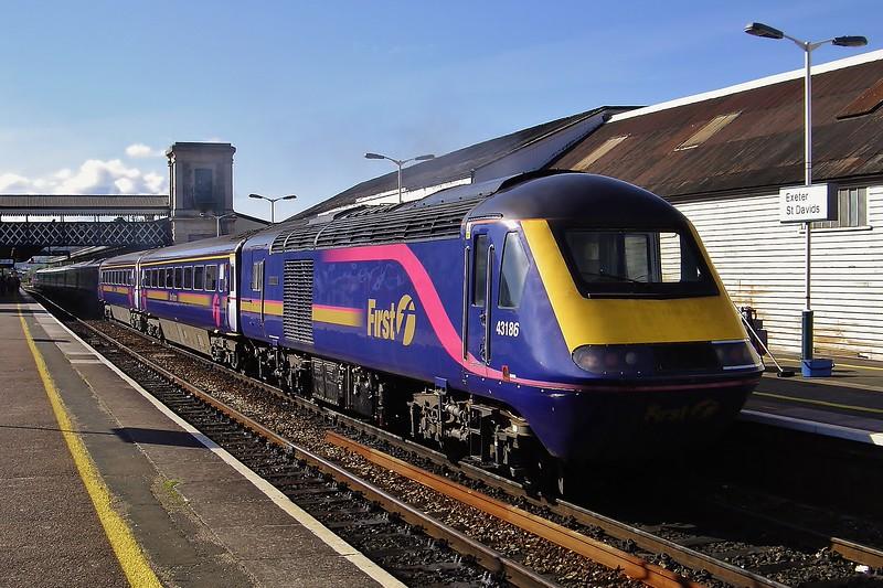 43186 09:40 Paignton to London Paddington at Exeter St Davids 17/9/2005.