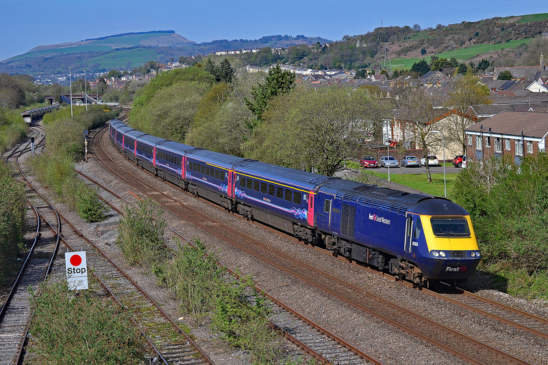43189 & 43130 1L76 1529 Swansea to Paddington at Briton Ferry 21/4/18.
