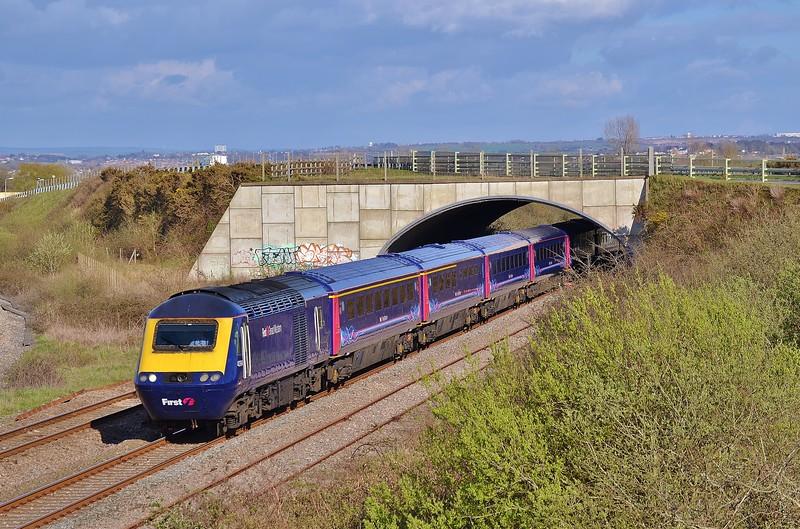43194 & 43126 1B40 13:37 London Paddington to Carmarthen at Llandeilo Junction 17/4/16.