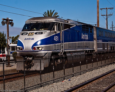 Amtrak Surfliner headed into San Diego