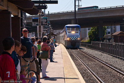 Northbound Coaster moving into Old Town Station